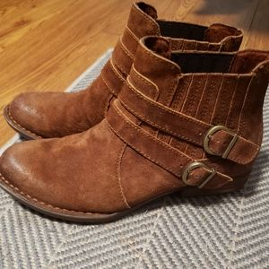 Born brown suede ankle booties sz 7.5 US